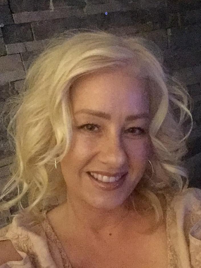 Sinsational Smile Julianna Waggoner, New Business Development